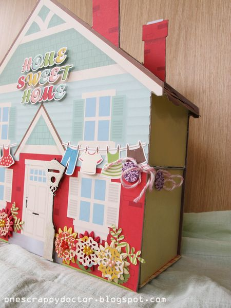 Doll-House-side