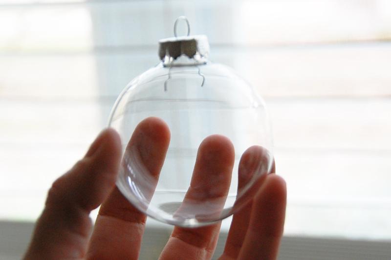Roree-OA Nov11-Nov 29 Tutorial-Frosted Glass Ornaments-step 1