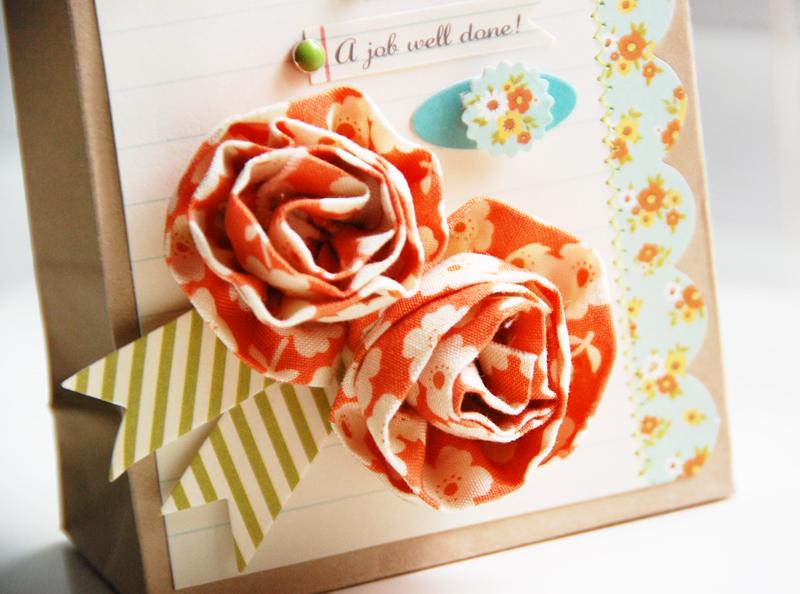 Roree-OA Jun12 tutorial-congrats gift bag closeup1 2