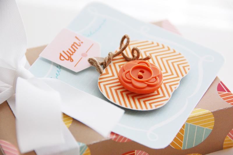 Roree-OA Oct13-Oct 1 Tutorial-Yum! Gift Box closeup 2