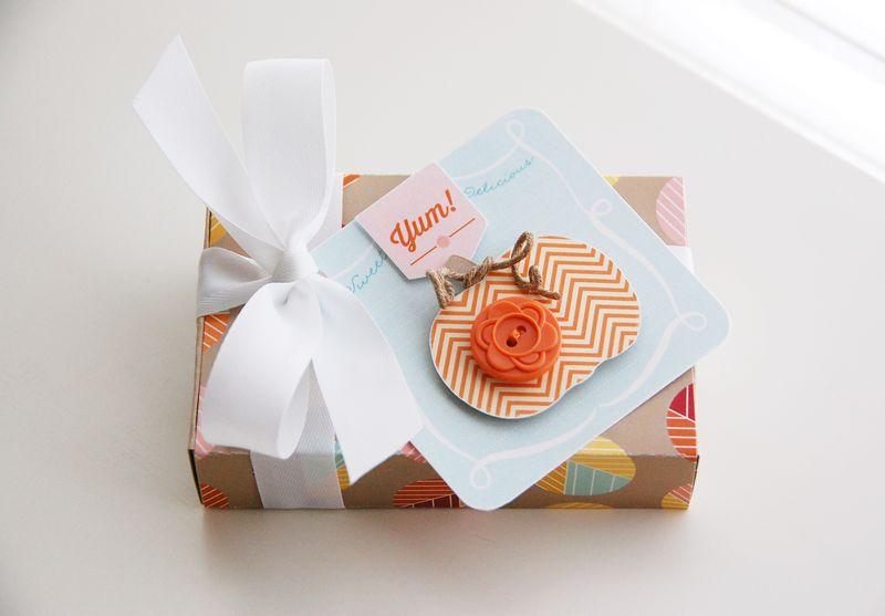 Roree-OA Oct13-Oct 1 Tutorial-Yum! Gift Box 3