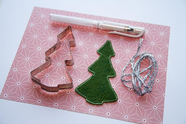 Alex Gadji - Felt Christmas Tree 1
